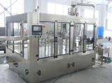 Máquina de enchimento de engarrafamento da água bebendo