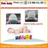 Couche-culotte de bébé de prix concurrentiel de bonne qualité de jeans/pantalon remplaçables de bébé