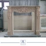 電気旧式で明るいTravertineの石灰岩のベージュブラウンの大理石の暖炉または大理石の暖炉または石造り暖炉のマントルピース