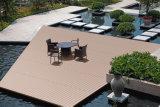 Hot Sale WPC Decking pont composite régulière des revêtements de sol avec l'humidité