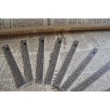 Étiquette du fabriquant du ramassage des hommes avec le perforateur de trou pour le tissu d'habillement