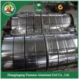 엄청나게 큰 Rolls에 있는 음식 급료 알루미늄 호일