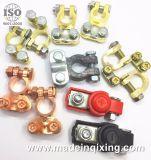 L'alluminio/zinco, rama il terminale della batteria placcata