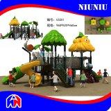 Im Freienspielplatz-Plastikzaun für Kind-Spiel-Spaß