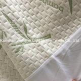 A tela de bambu do jacquard dos anti ácaros da poeira com TPU Waterproof o protetor do colchão