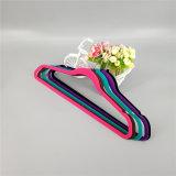 Crochet de suspension de velours en plastique antidérapant avec de nombreux choix de couleurs