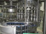 Terminar a água bebendo do frasco do animal de estimação que faz a linha de produção á Z