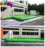 Luft gedichtetes aufblasbares Fußball-Gericht mit dem Wasserspielen