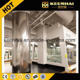 L'intérieur des colonnes décoratives en acier inoxydable