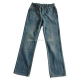 El clásico hombre pantalones vaqueros pantalones vaqueros de corte de inicio