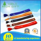 Promoção de venda por grosso de forma personalizada de logotipo bracelete de tecido de poliéster NFC RFID Nylon Sport Etiqueta Têxteis descartável elástica de tecido de algodão de pulso para o evento