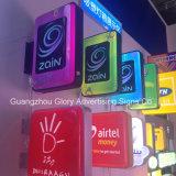 Im Freien helle Geschäfts-Zeichen des Zeichen-LED, die hellen Kasten bekanntmachen