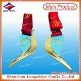 首のリボンが付いている卸し売り賞の奇跡的なメダル