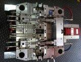 Molde de plástico de alta precisão para conector de precisão automática