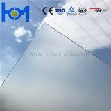 3,2 mm Trempé faible de l'Arc de fer de verre pour module photovoltaïque solaire