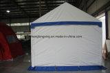 熱い販売の専門の鋼鉄折るおおいのテントは現れる