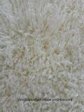 ベージュ色はのどの毛皮にデカタイジングを施す