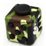 De fabriek friemelt Stuk speelgoed Zes van de Kubus Opgeruimde Camouflage de AntiSpanning Kubus friemelt