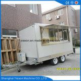 Caravane d'aliments de préparation rapide avec le matériel de cuisine