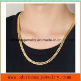 Le collier d'accessoires en gros d'acier inoxydable des hommes d'or normaux gravés en relief de dragon (SSNL2624)