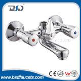 Miscelatore d'ottone dell'acquazzone del bagno della stanza da bagno di rivestimento del bicromato di potassio della maniglia doppia economica