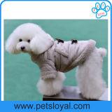 Il cane di animale domestico all'ingrosso del fornitore copre gli accessori dell'animale domestico del cappotto