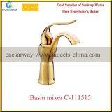 Golden seule poignée porcelaine sanitaire Chrome robinet d'eau du bassin de la salle de bains