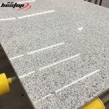 Strato artificiale grigio della pietra del quarzo dell'oceano per la cucina