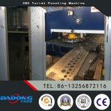 D-T30 Fanuc Controller CNC-Drehkopf-Locher-Presse-Maschine von der China-Fabrik