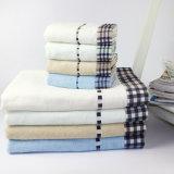 Katoen Twee Reeksen van de Handdoek die in China voor Bad wordt gemaakt
