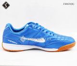 Men′ Il calcio dell'interno di S mette in mostra le calzature di gioco del calcio dei pattini