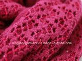 Красный цвет способа Acrylic 100% выдолбил шарф связанный Warp с краем и Sequins