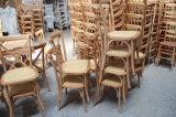 中国Manufacrurerの庭のテラスの椅子を食事する木製の十字の背部藤のマット