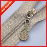 Utilizando materiais Eco-Friendly Custom Zipper Puxar