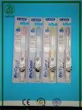 Alta qualità eccellente con l'autoadesivo sull'imballaggio con il Toothbrush adulto approvato del Ce