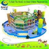 Привлекательный парк развлечений веревки курс детей спорта
