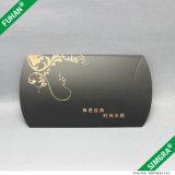 Rectángulo de regalo del papel de la cartulina del negro del diseño simple