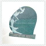 Monument de pierre tombale de granit noir avec coeur