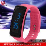 La datte de montre en caoutchouc DEL des femmes de vente chauds du Mens Yxl-147 folâtre la montre-bracelet de Digitals de bracelet