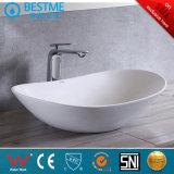 浴室の蛇口Bc-7017が付いている陶磁器の容器の洗面器/洗浄の流し