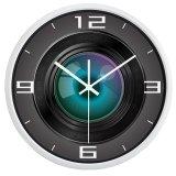 Orologio di parete divertente creativo dell'obiettivo di macchina fotografica del cineoperatore, orologio di vetro liscio silenzioso eccellente per la famiglia delle donne degli uomini