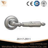 Nickle ou en alliage de zinc de la plaque de porte en aluminium (poignée de levier Z6115-ZR03)