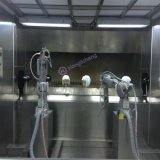 Negozio di vernice senza polvere del rivestimento del casco del robot