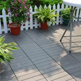 標準床タイルのサイズ30 x 30プールWPCの塀の木製のボードの床のDeckingのタイル