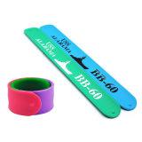 Schiaffo stampata/impressa/di Debossed del braccialetto di schiaffo della gomma di silicone, marchio del silicone del braccialetto, Wristband personalizzato del silicone