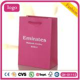 분홍색 사랑스러운 보석은 모자류 목걸이 팔찌 종이 봉지 핸드백을 장식한다