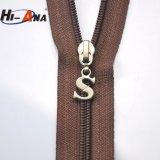 Feito com materiais importantes Trancamento Personalizado Zipper Puxar