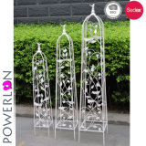 優雅な金属の花立場の庭プランター棚