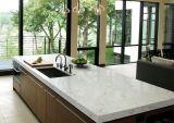 Brame blanche en pierre artificielle de quartz de Calacatta pour la partie supérieure du comptoir
