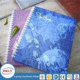 Cuaderno de papel de piedra ecológico con la pluma
